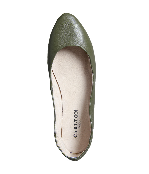 Carlton London Elegant Green Ballerina