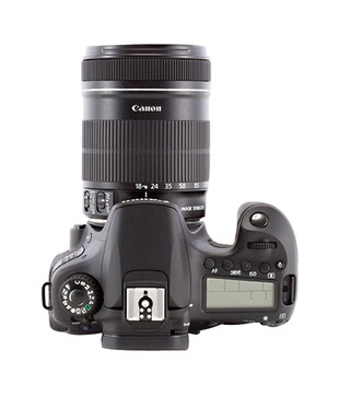 Canon EOS 60D SLR (Kit 18-200mm IS)